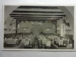 """Régi képeslap: Schrettner István """"Négy szürke"""" sörözője, Vadász szoba - 1942"""