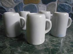 Korsó sörös mini miniatűr szett készlet porcelán fehér 4*4 cm 5 db