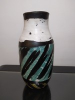 Gorka Lívia türkiz csíkos váza