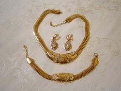 B_005 Arany színű ékszer szett kövekkel: nyakék, karkötő, fülbevaló