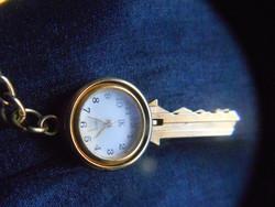 Érdekes, kulcstartó óra.