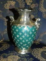 Ezüstözött vastag falú porcelán váza.