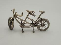 Ezüst kerékpár- kézzel készült