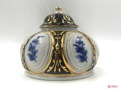 Royal Dux bonbonier az 1920-as évekből. Nagyon szép, hibátlan állapotban.