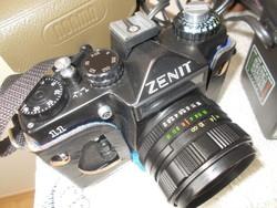 Zenit fényképező gép     objektívvel + vaku+ bőr tok