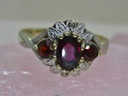 Szépséges gránát és gyémánt köves arany gyűrű