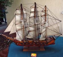 70x58 cm-es, részletgazdag vitorláshajó, hajó makett fából eladó