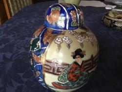 Satsuma kézzel festett fedeles váza, 16 cm