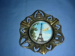 Párizsi emléktárgy hamutál