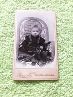 Régi keményhátú műtermi gyermek  fotó  pici méretű