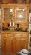 Natúr fenyő antik konyhaszekrény,vakxolva.