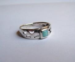 Türkiz köves ezüst gyűrű hold mintákkal