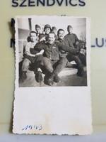 1943 katona kép, sisak, szép kitüntetés sor, 6x9 cm