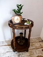 Retro,vintage gurulós bárasztal