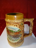Mázas kerámia korsó, Bad Gastein látképpel, magassága 13,5 cm.
