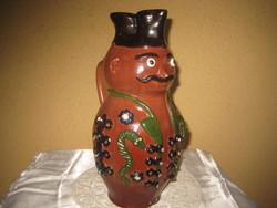 Miska kancsó , kalapos ,  az erdélyi Nagykárolyból , rajta aszöveg ... szép kígyós motívumma  27 cm