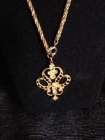 Aranyozott nyaklánc egyedi szép medállal