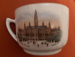 Czecho Slovakie márkájú, háború előtti porcelán csésze, bécsi képekkel