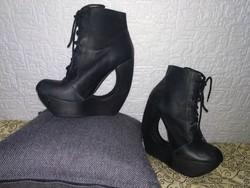 Jeffrey Campbell szoborszerű designer női magas sarkú cipő black leather shoe