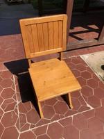 Lakkozott fa szék