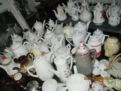 Régi  teáskanna  gyűjtemény