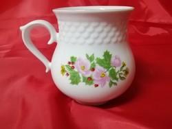 Hollóházi porcelán virágos hasas bögre