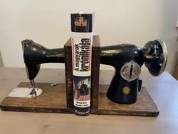 Loft, design, vintage varrógép könyvtámasz