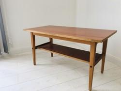 Régi kis asztal (dohányzó asztal) a 70-es évekből