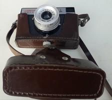 Régi retró fényképezőgépek Smena és Exacta