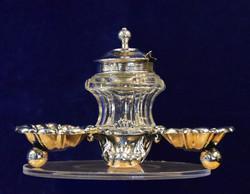 Ezüst asztali fűszertartó