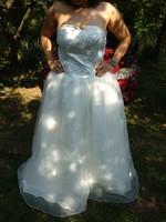 44? Hosszú, uszályos, fehér virágos tüllös menyasszonyi esküvői ruha wedding dress
