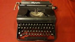 Olympia Progress hagyományos írógép, magyar billentyűzettel, működőképes