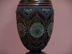 Doulton angol majolika petróleum lámpa