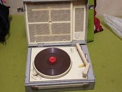Retró szovjet lemezjátszó 1960 évekből 18000ft óbuda
