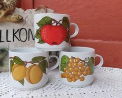 Alföldi porcelán bögre  barackos , szőlős  almás gyümölcsös  ,Gyűjtői  nosztalgia darab