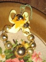 Csodaszép antik gyöngyös karácsonyfadíszek