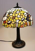 Tiffany stílusú lámpa