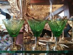 Ólomkristály 3 db-os likőros pohár. Kézi csiszolás. Ezüst talpú. Dianas l. 1900-as évek.