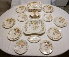 Zsolnay családi pecsétes étkészlet.1880