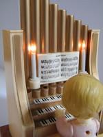 Vintage orgonázó angyal karácsonyi zenedoboz (The Merton 1982)
