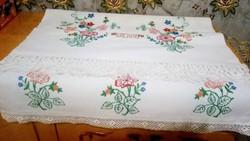 Hímzett vászon terítő ,törülköző 195*62 cm