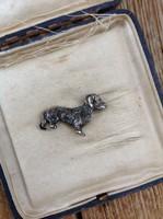 Régi ezüst miniatűr kutya dísz
