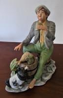 Vidám, nagyméretű életkép porcelán figura