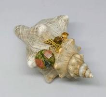 Természetes unakit ásvány angyal medál, arany színűszínű szerelékkel