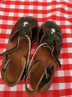 Elegáns nagyon szép - eredeti bőr - kézműves - fényes női szandál cipő
