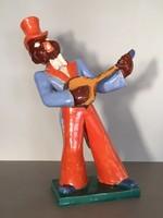 Komlós kerámia figura, afrikai jazz zenész, 1930-as évek.