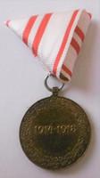 Osztrák-magyar kitüntetés hozzáillő mellszalaggal T1-2