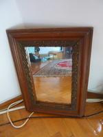 Faragott fakeretes fali tükör