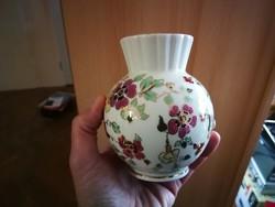 Zsolnay pillangó mintás porcelán váza
