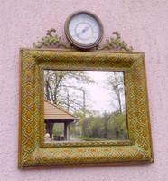 Falitükör órával antikolt öntöttvas keretben, rusztikus lakberendezéshez ajánlom.